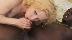 Skinny blonde babe goes interracial by taking it from a huge homie